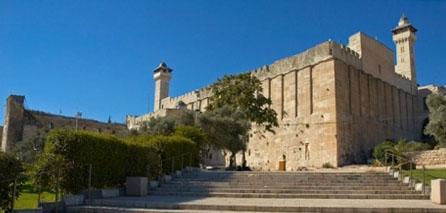 3.000 израильских поселенцев вторглись в Мечеть Ибрахима