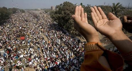 http://www.islamicinvitationturkey.com/wp-content/uploads/2012/01/Bishwa-ijtema.jpg