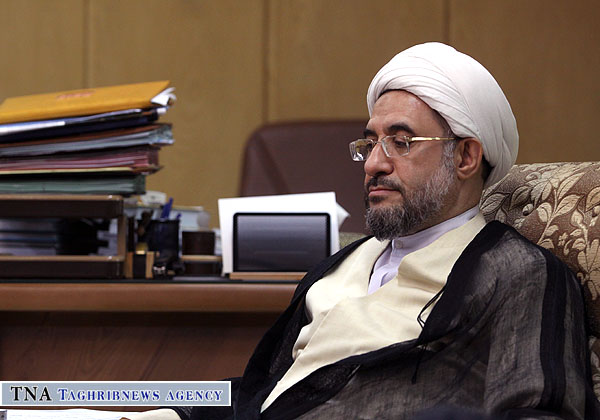Ayatollah Araki stresses on extending unity culture