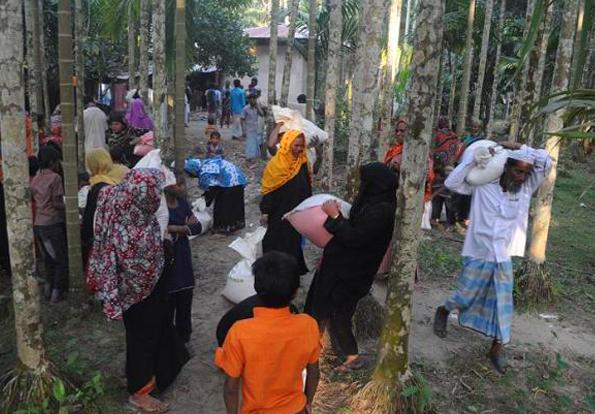 Iran's humanitarian aid reaches Rohingya Muslims2