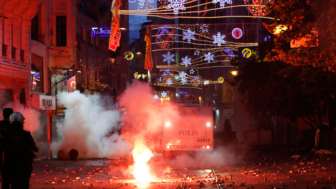 istanbul-park-protests-police--.si