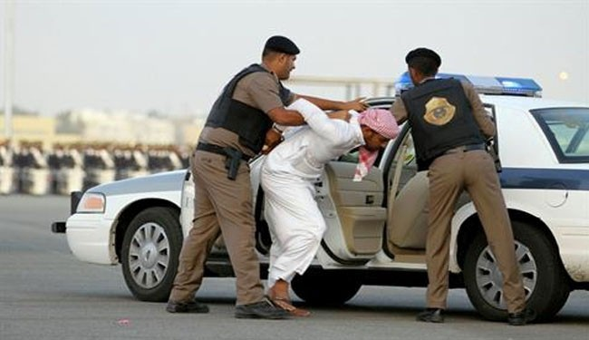 Saudi regime holds activist for hosting political meet