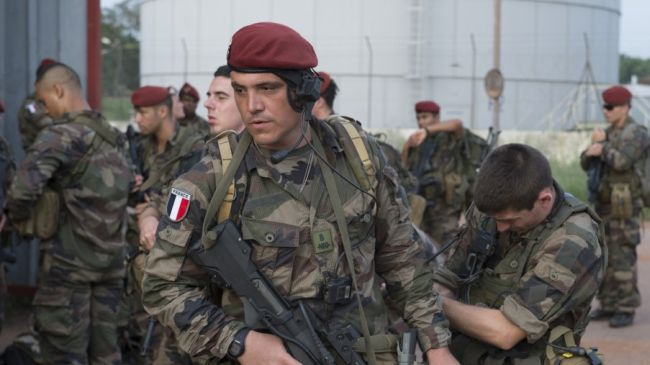 351049_CAR-French-soldiers
