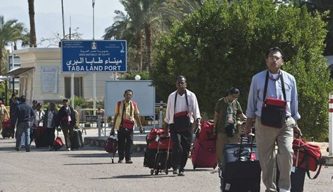 Foreign tourists leaving Egypt after terrorist threat