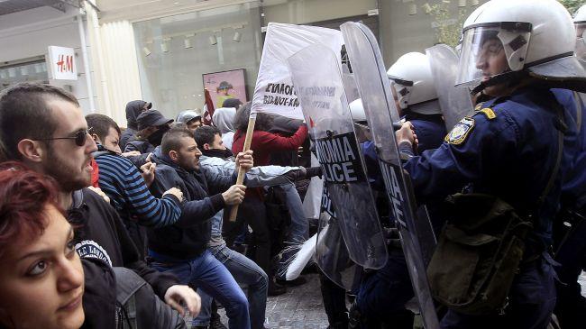 358477_Greece-protest
