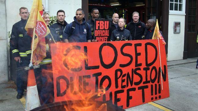 361386_UK-firefighters-strike