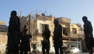 """ماهي حقيقة القتال الدائر بين """"الجيش الحر"""" و""""داعش""""؟"""
