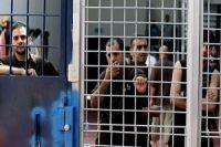 Dozens of prisoners join Palestinian hunger-striking detainees