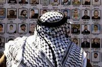 Gazans back hunger-striking prisoners