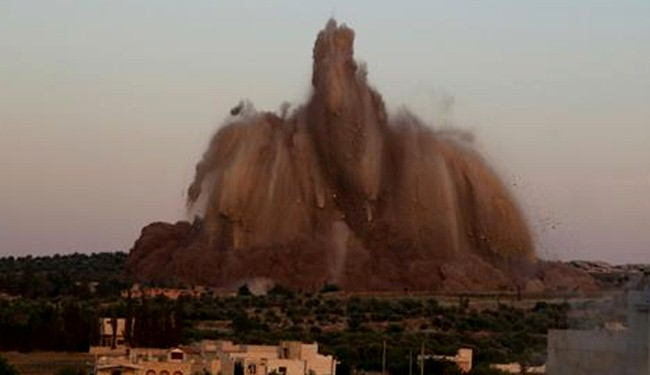Tunnel attack blows up Syrian army base in Idlib