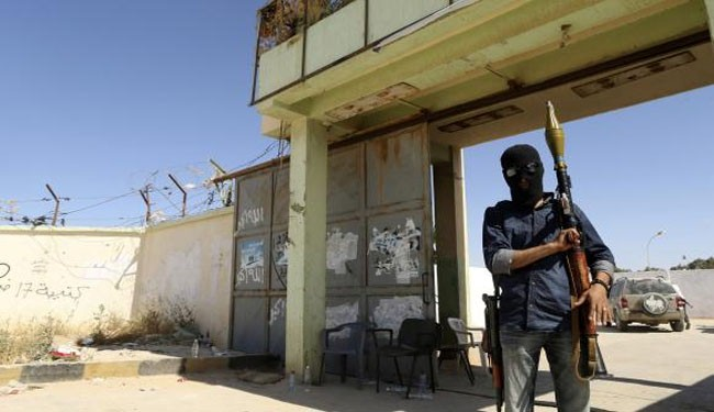 Libya army to target aircraft over Benghazi no fly zone
