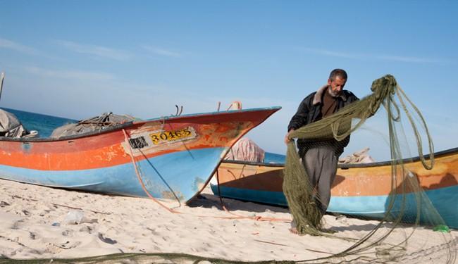 Israeli aggression: Unarmed Gaza fishermen under fire