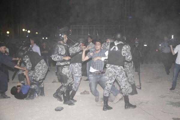 Puppet jordanian police attacked pro plaestine protesters for Puppet consul