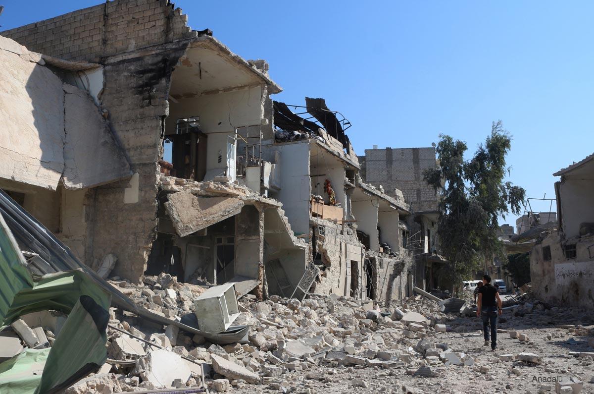 Barrel bomb attacks kill 6 Syrians in Aleppo