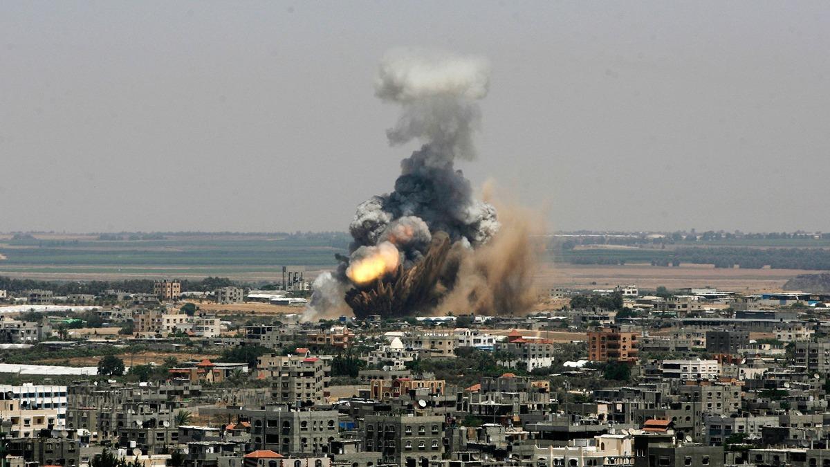377641_Gaza-bomb
