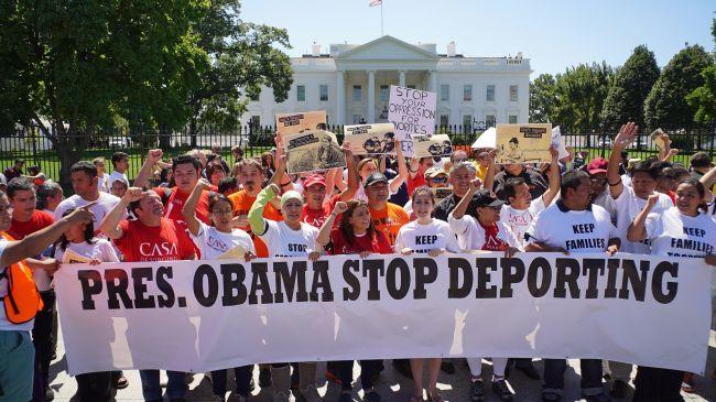 377952_Latino-immigration