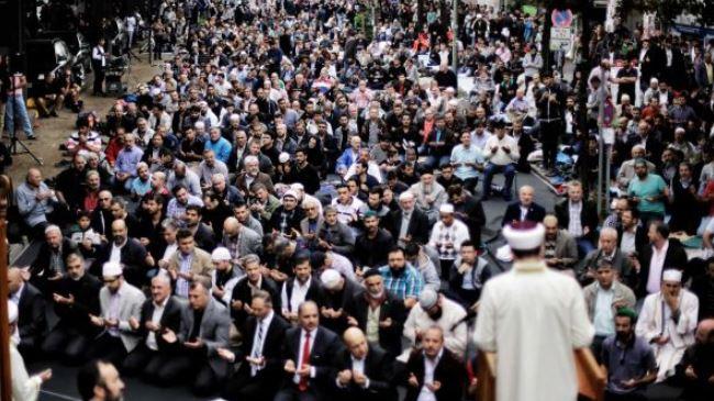 379349_German-Muslims