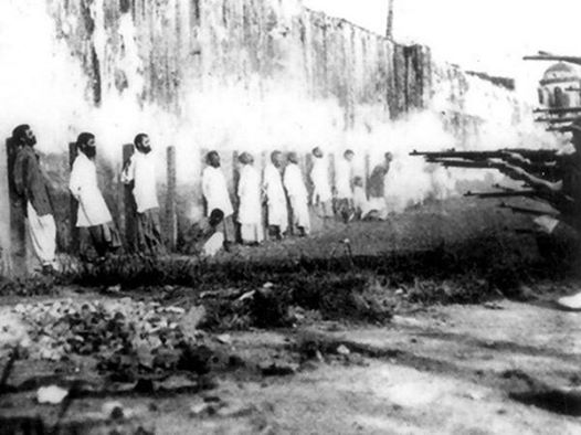 Brits executing Indians in Singapore who refused to fight the Ottomans, 1914