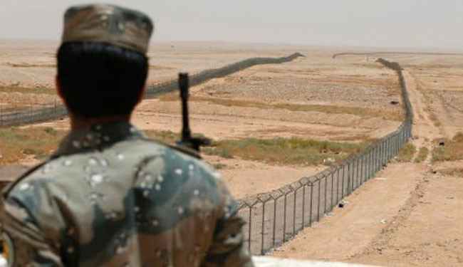 Saudi regime erects security fence on Iraq border