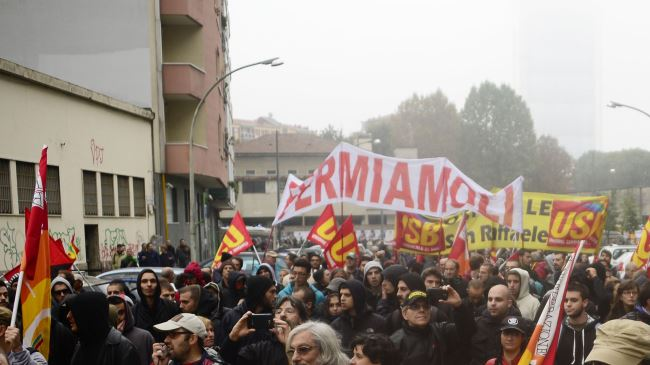 381511_Italy-Milan-protest
