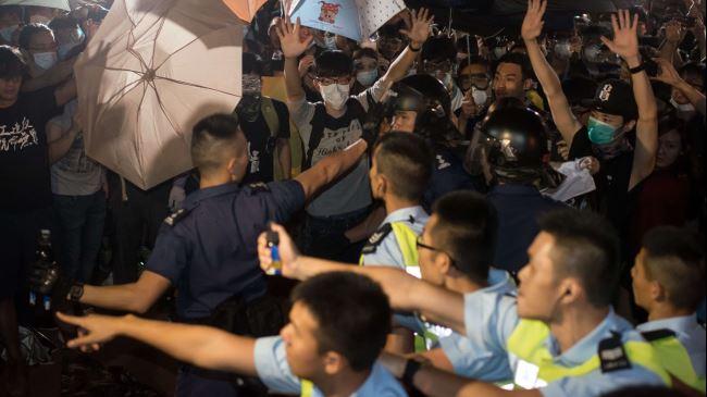 382397_Hong Kong-Police-Protest