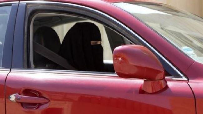 383553_Saudi-Female-Driving