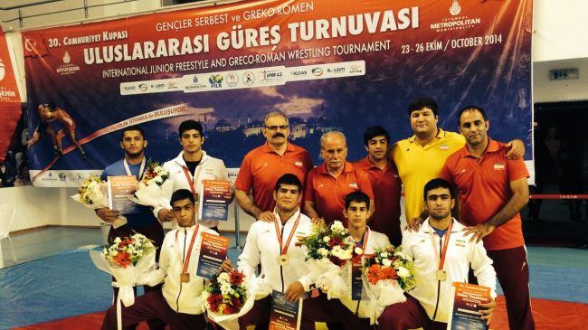 383694_Iran-wrestlers-Turkey