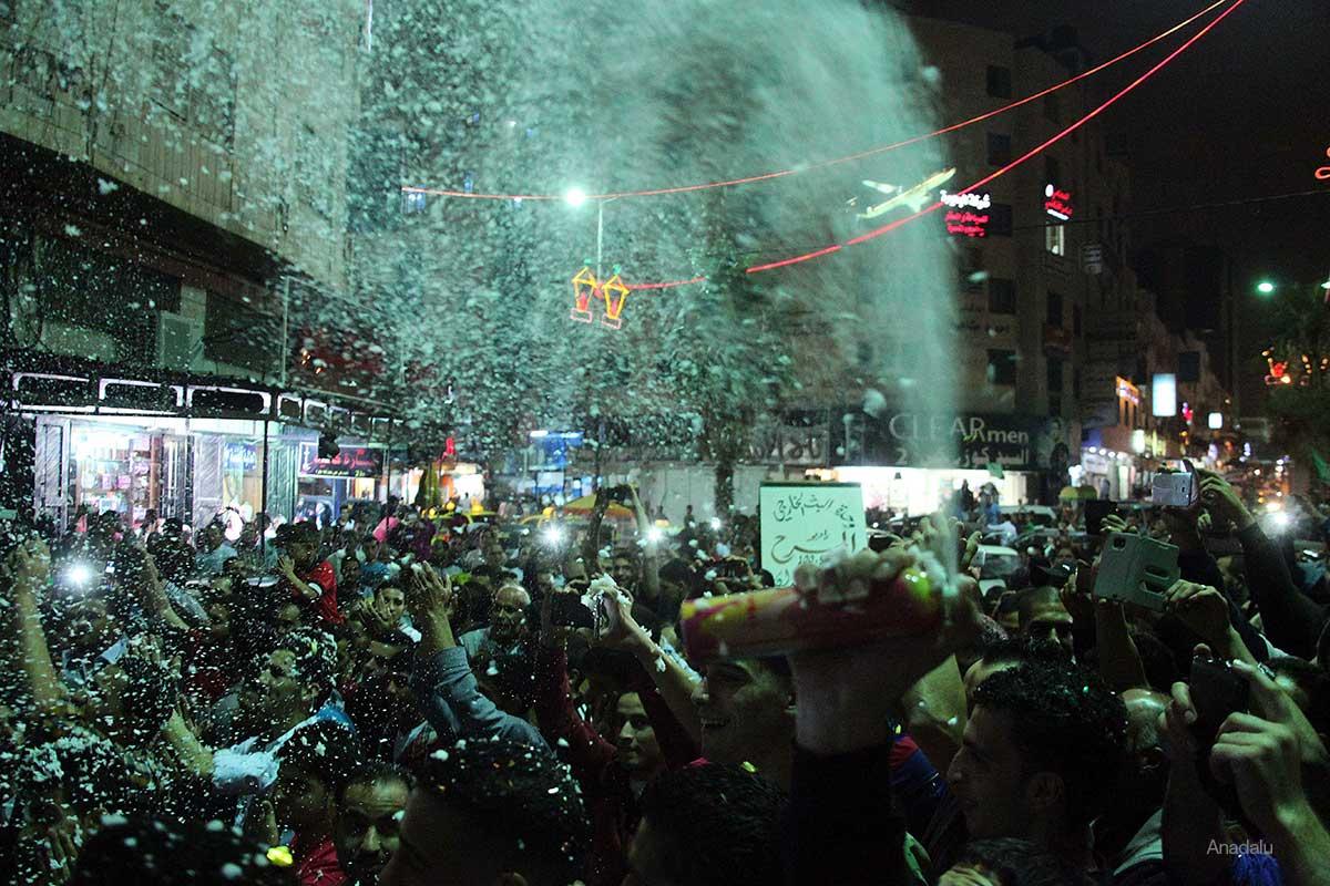 West-Bank-Celebrations-capture-of-israeli-soldier-by-qassam