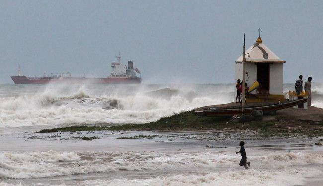 Half of Millions Evacuated as Cyclone Pounds Bay of Bengal