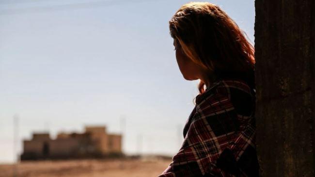 384713_ISIL-girl
