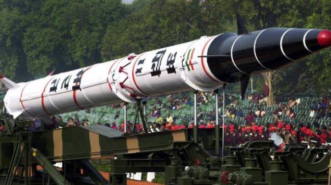 385385_India-Agni-II-missile
