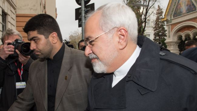 386932_Zarif-talks
