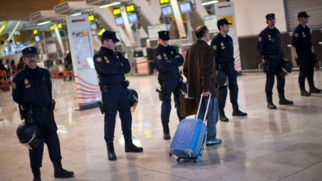 387509_Spain-police