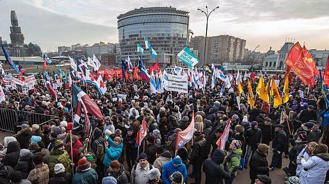 388164_Russian-medics-march