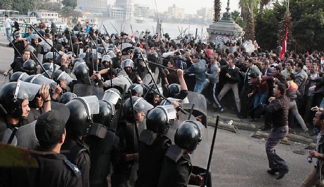 2 Killed As Egypt Police and Anti-Mubarak Protesters Clash