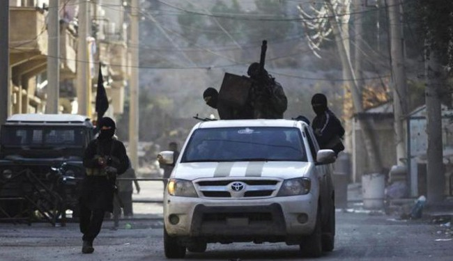 ISIL militants kill at least 20 civilians in Syria