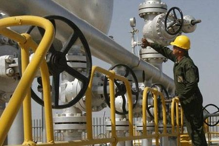Iran-signs-deal-to-export-gas-to-Iraq