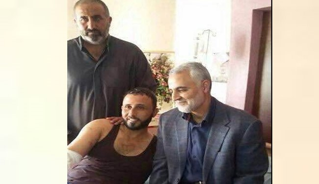 General Soleimani Visits Injured Iraqi Fighters in Hospital