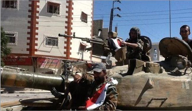 Syrian Army Attacks ISIS Position in Deir Ezzor Neighborhood