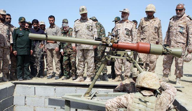 """إطلاق صواريخ """"دهلاوية"""" المضادة للدروع في مناورات الحرس"""