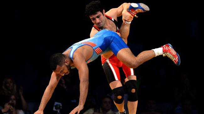 354857_Iran-US-wrestlers