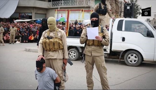 Daesh beheading Iraqi people in Nineveh and Mosul + Photos