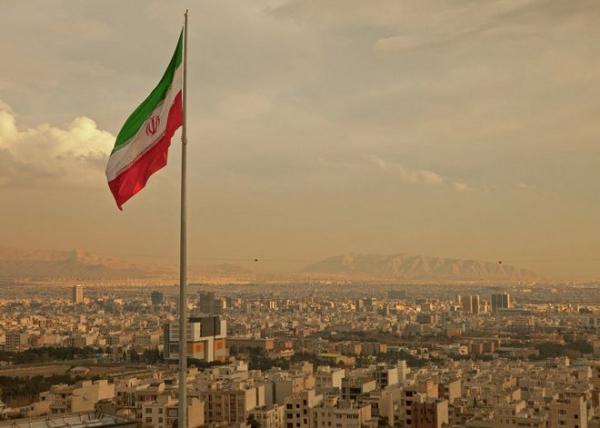 iran-_flag_tehran_030415