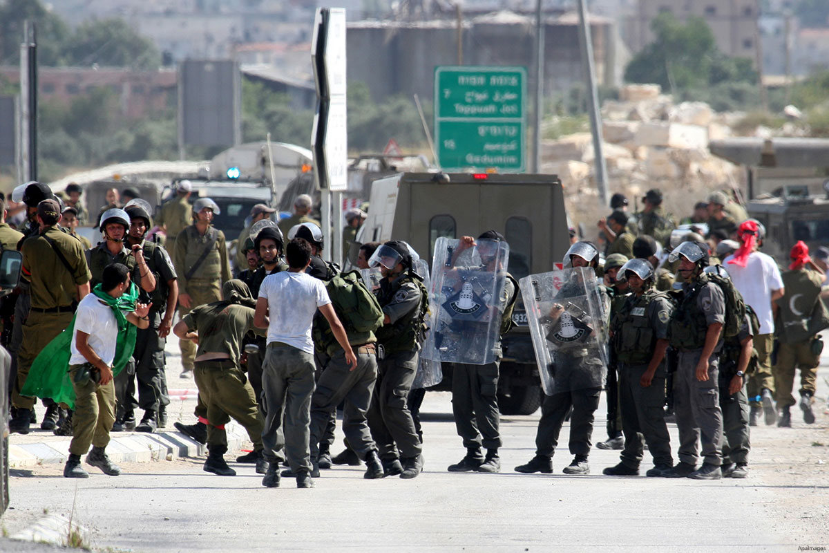 israeli-forces-training-for-dealing-with-palestinian-protestors-at-hawara-checkpoint-near-nablus
