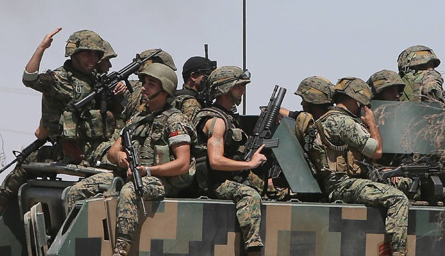 Lebanon Army Destroys Terrorist's Vehicle on Arsal Outskirts