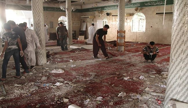 ISIL Claims Suicide Bomb Attack on Yemen Shiiat Mosque