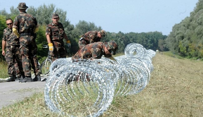 Hungary-Croatia 41 Kilometers Border Barbed