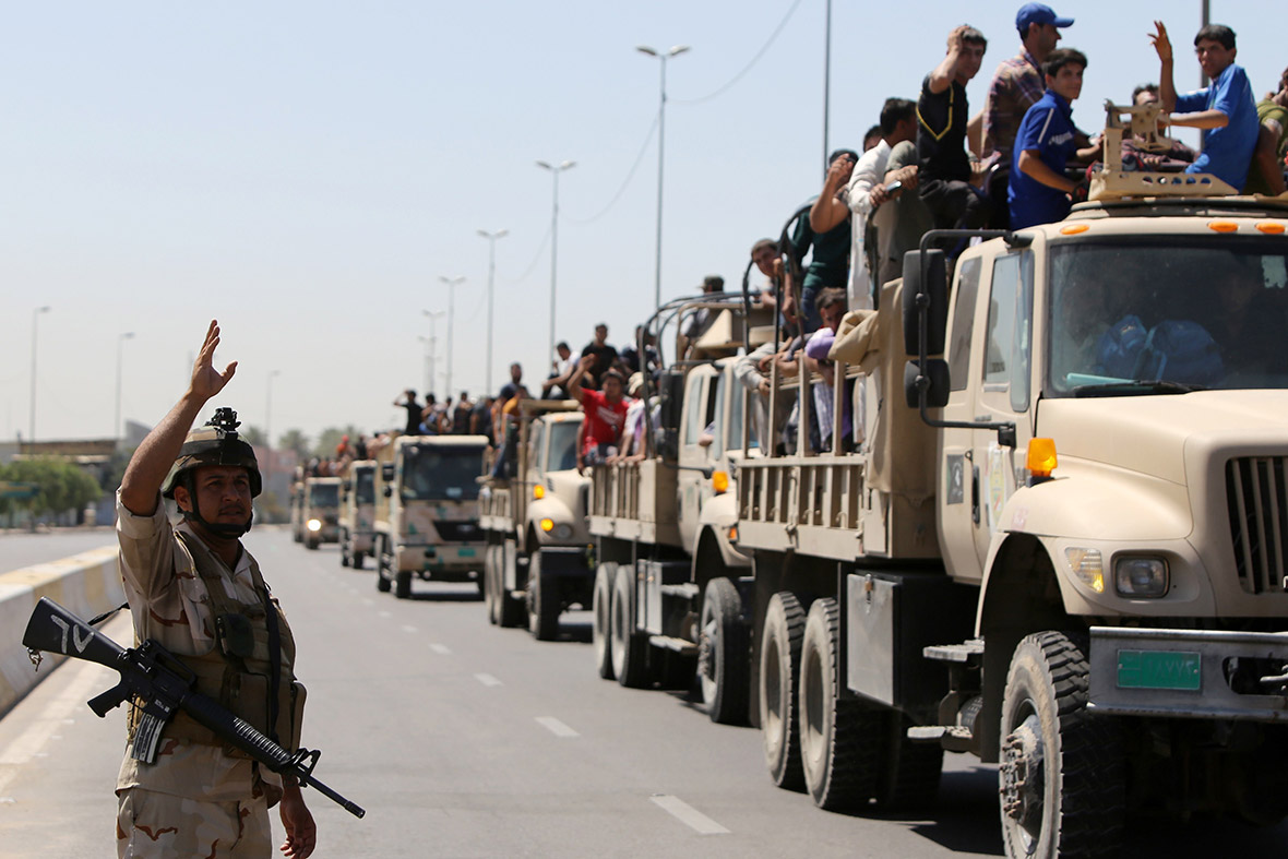 iraq-volunteers-trucks