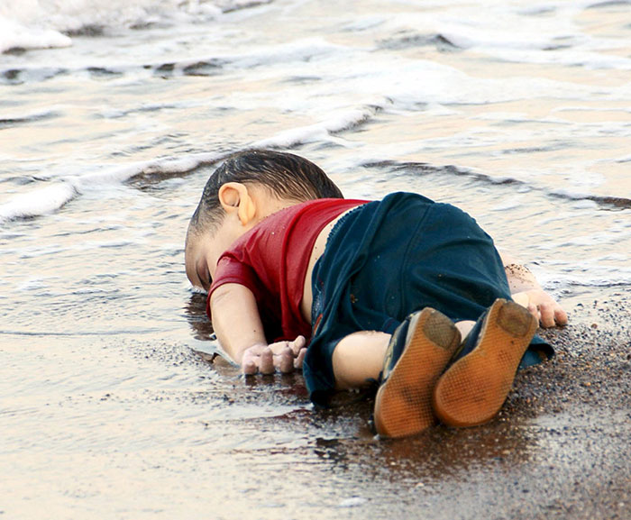 syrian-boy-drowned-mediterranean-tragedy-artists-respond-aylan-kurdi-1
