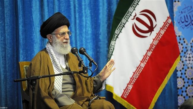 Leader to Commanders: Enemies Should Not Dare to think of invading Iran
